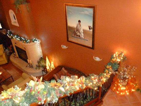 Casa Grande Inn: Visit in December and Enjoy our Christmas Decor in every room!