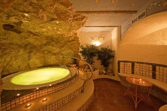 Anewandter Historic Hotel: Whirlpool