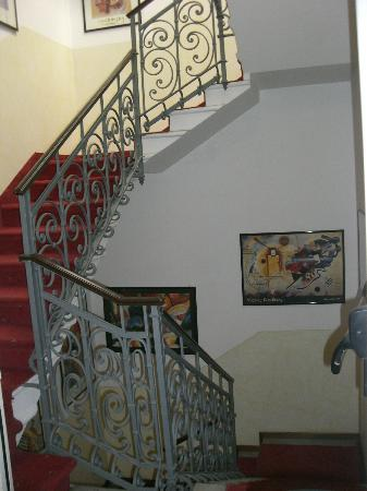 Hotel Florence: Staircase