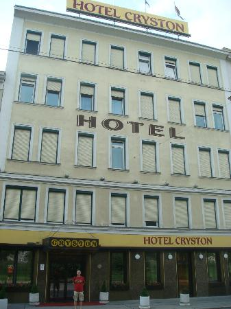 Hotel Cryston : Hotel building