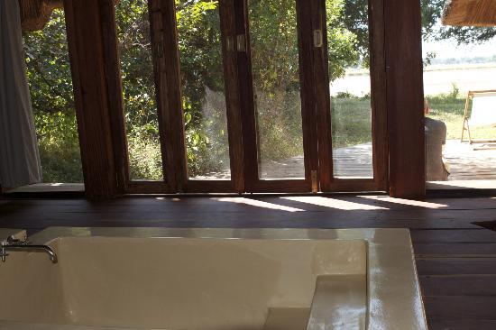 Luangwa River Camp: Sunken Bath