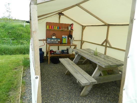 Ty Parke Farm Camping: Extremely Well equipped kitchen
