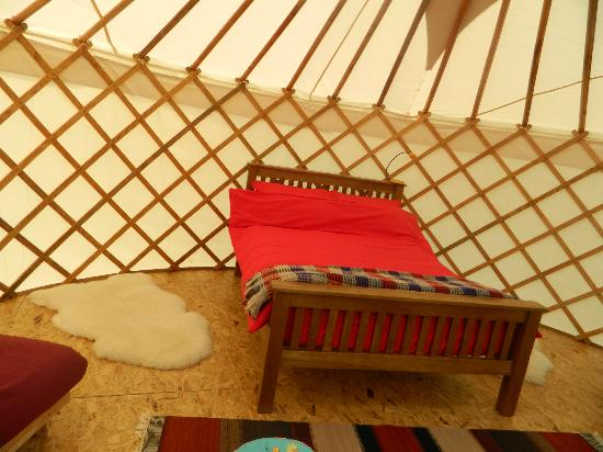 Ty Parke Farm Camping: Comfy bed