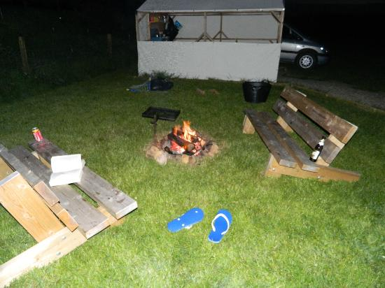 Ty Parke Farm Camping: night time campfire