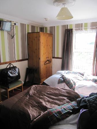 The Boathouse Hotel : Not a luxury room