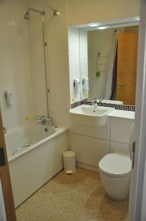 Premier Inn Oxford South (Didcot) Hotel: Bathroom