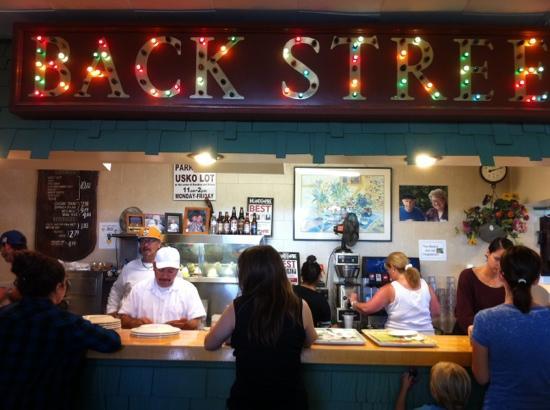 Backstreet restaurant riverside