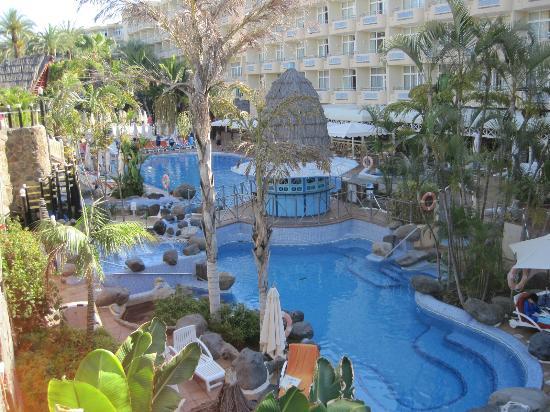 IFA Catarina Hotel: Der Garten-/Poolbereich