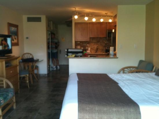 Lahaina Shores Beach Resort: room 516
