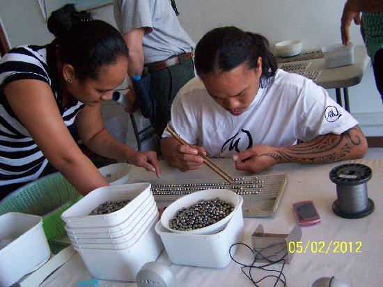 Manapearl Tahiti : Sorting and Grading