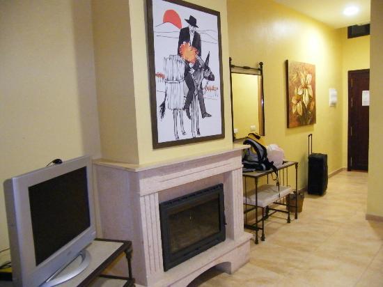 Complejo Turistico Rural Nazaret: Vista do quarto com a lateira