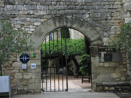 Château d'Arpaillargues : Entrée