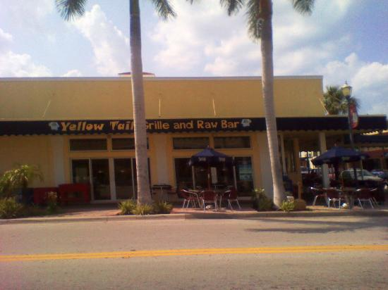 Rinelli's Yellow Tail: Outside view from Orange Avenue