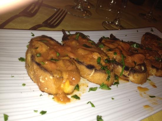 Gambero Rosso: crostini con i ricci