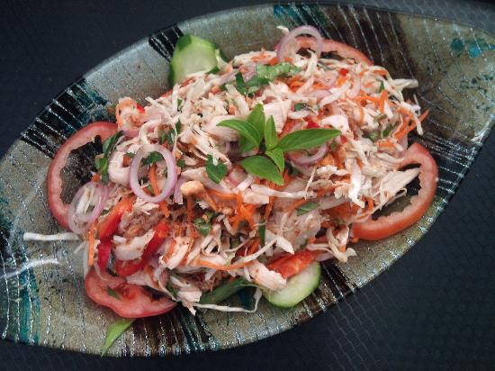 New Saigon Restaurant: Vietnamese chicken salad