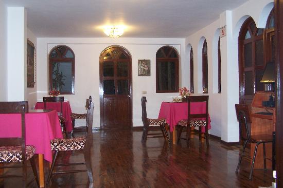 Las Palmeras Inn : Comedor