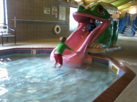 AmericInn Lodge & Suites Shakopee - Canterbury Park: Little kids pool and slide