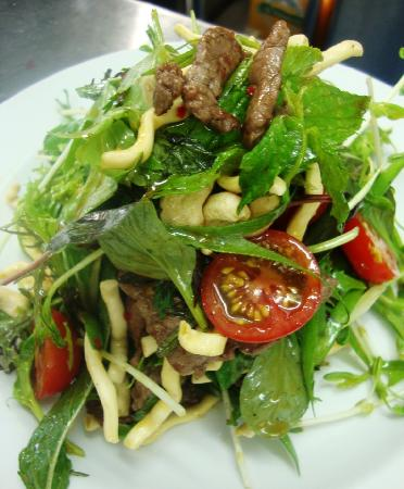 Snapper Cafe: Thai Beef Salad