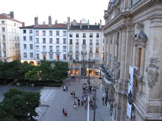 Hotel du Theatre : Our room from an upper floor that faces the theatre square