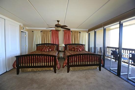 Gulf Shores Condominiums: 2 Queen beds- ocean view