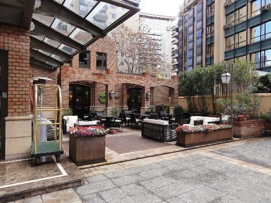 Plaza el Bosque San Sebastian: Café