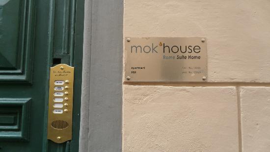 Mok'house B&B: Outside Mok'house