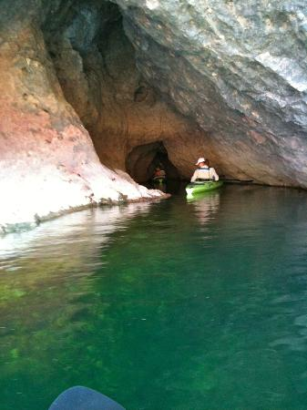 Boulder City River Riders - Day Tours: emerald water