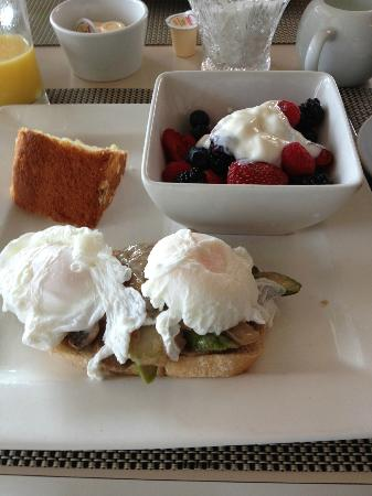 Orchid Inn: breakfast