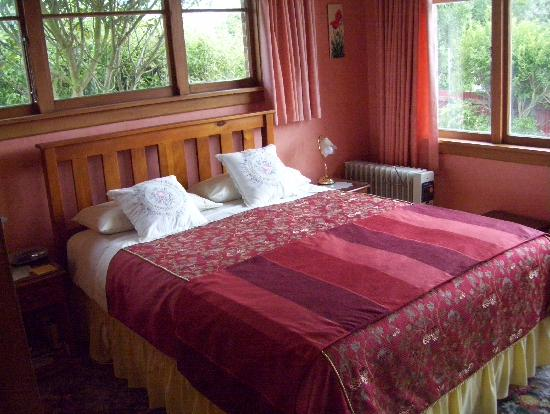Blueberry Cottage Bed & Breakfast: Tuscany room