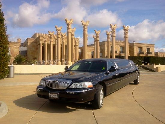 Apex Limousines Wine Tours: Darioush Winery