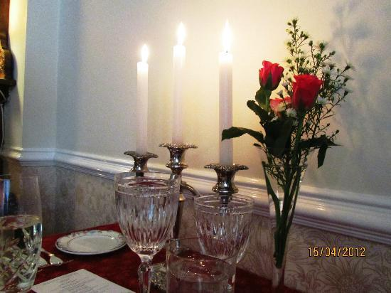 Rayanne House : Flowers and Candles - perfect