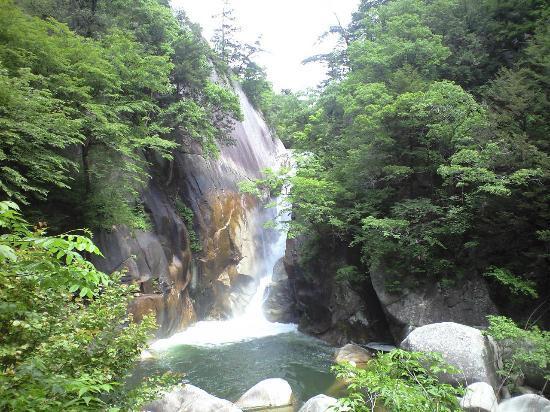 Kofu, Japan: 仙娥滝 マイナスイオンたっぷり
