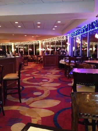 Sapphires Restaurant & Lounge