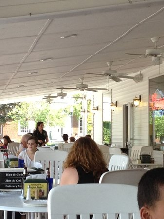 Guiseppe's Restaurant: outdoor seating in the more relaxed place.