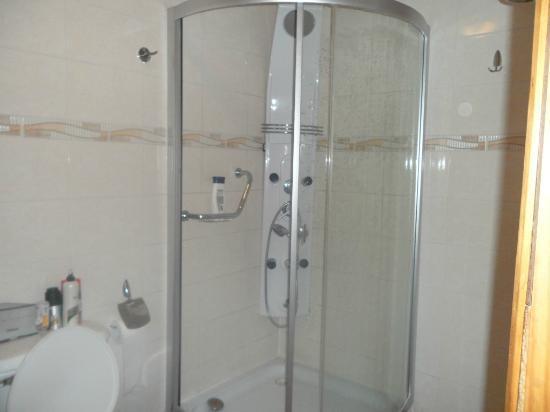 Chalet Chapital Hotel: Baño de la habitación