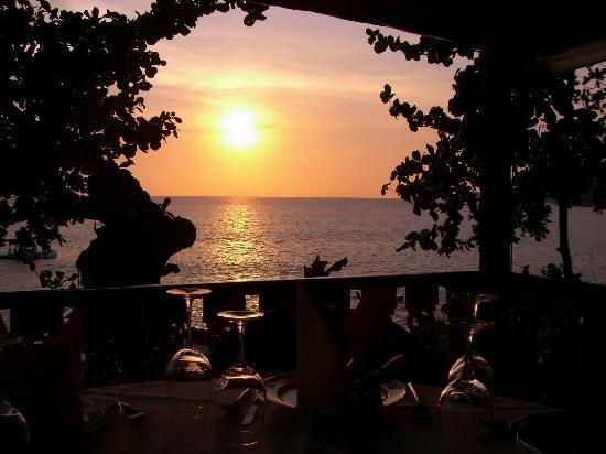 Baan Rim Pa Patong: Sunset