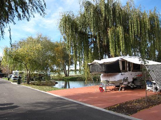 Karrinyup Waters Resort: A site near the smaller lake