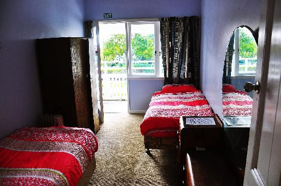 Bamber House Hostel: Twin room with balcony