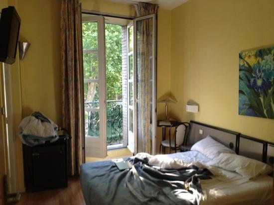 Une chambre picture of hotel occitania toulouse for Chambre 0 decibel
