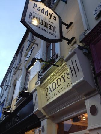Paddy's Restaurant : entrance