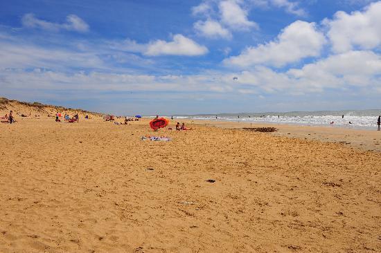 Camping La Parée du Jonc : accès direct à la plage