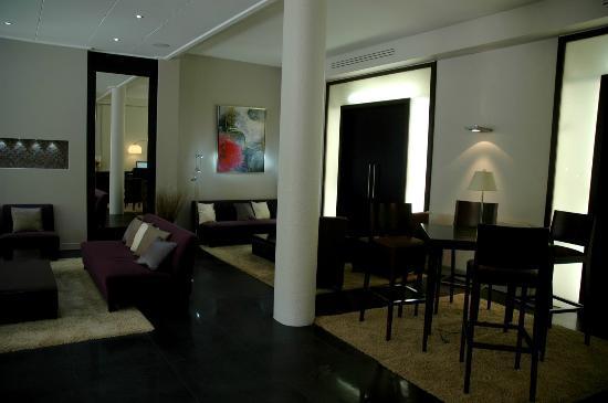 Best Western Hotel Plaisance : Le hall, décoration contemporaine et flambant neuve.