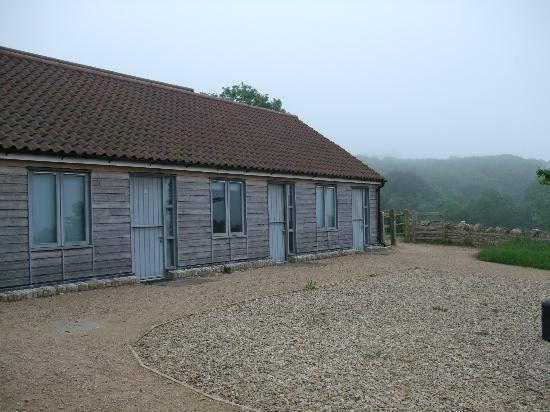 Folly Farm Centre: Outhouses rooms 1-5