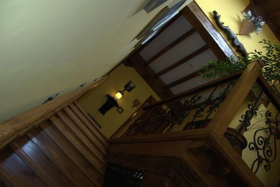 Hotel Senorio de Altamira: Acceso a planta primera