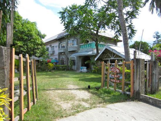 Dona Nela's Pension House