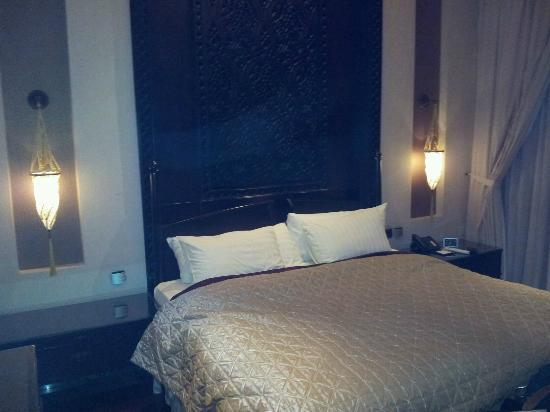 Al Areen Palace & Spa: our bedroom