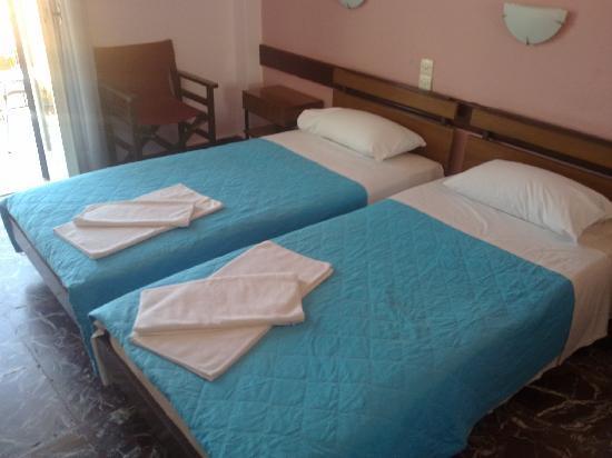 Areti Hotel - Twin Beds