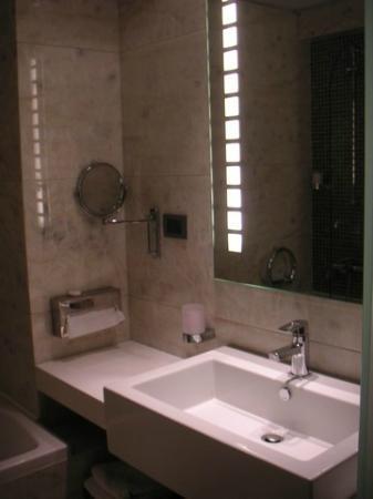 Livadia, Griechenland: Bathroom