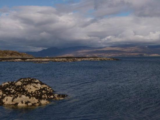 Morar Bed and Breakfast: View from the beach