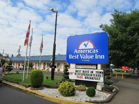 Americas Best Value Inn Eugene : サイン